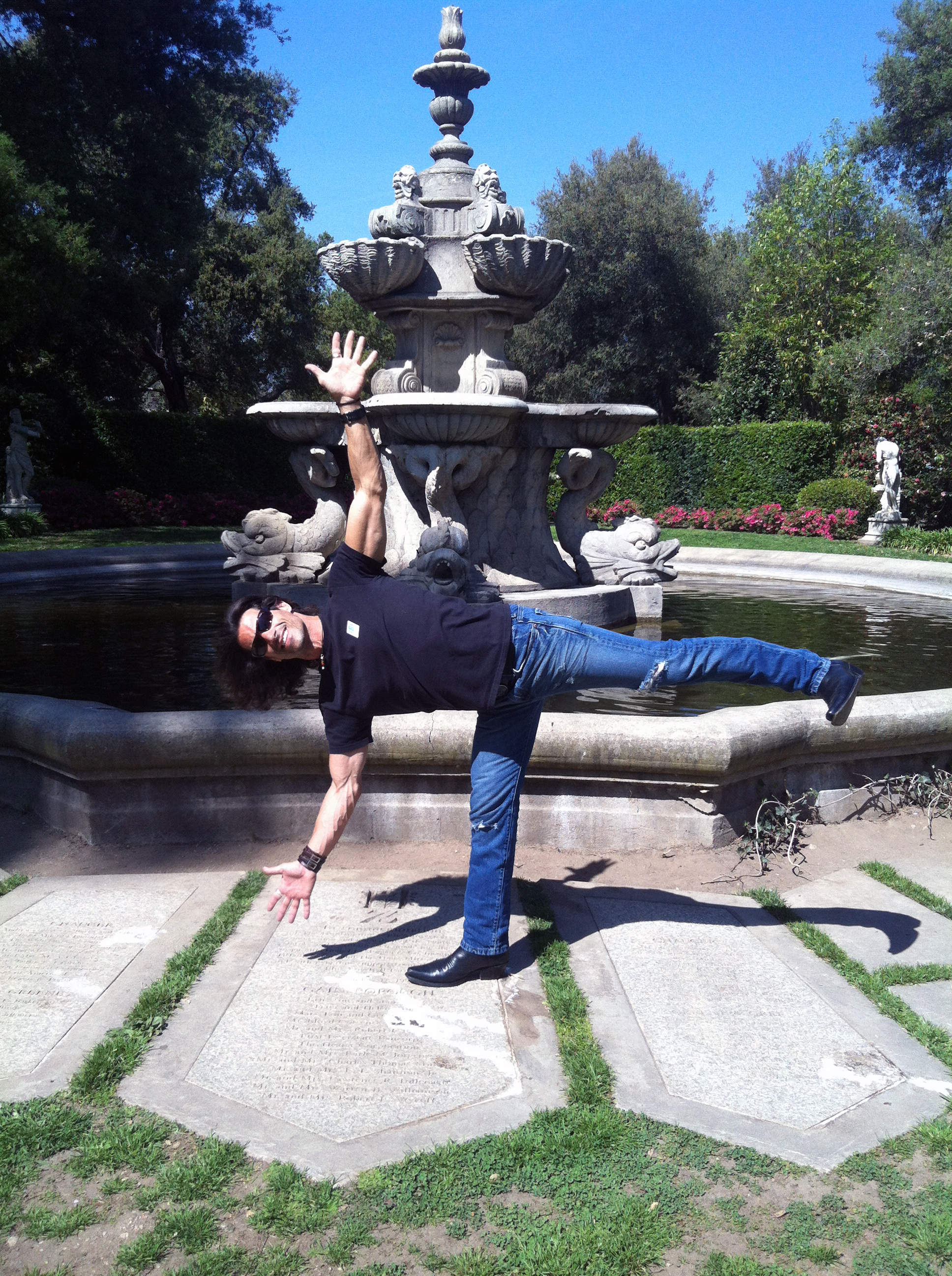 Yoga Master, Rich Tola