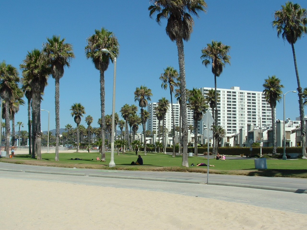 South Beach Part at Barnard Way & Speedway in Santa Monica